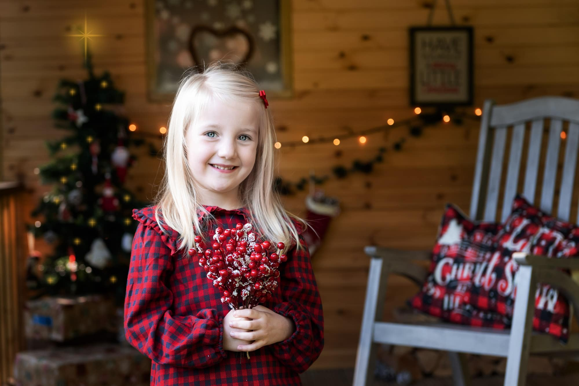 Nic BIsseker photography Christmas mini sessions east grinstead