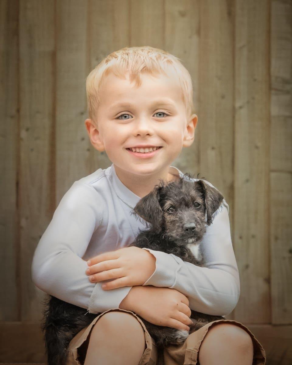 Nic Bisseker photography puppy photoshoot Ightham