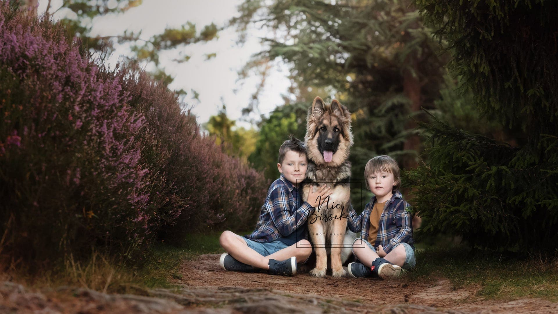 Nic Bisseker Photography family photoshoot WEst sussex